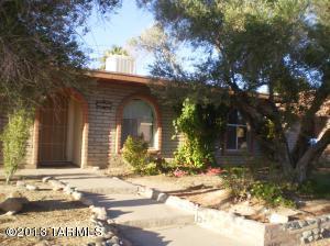 9415 E Myra Dr, Tucson, AZ 85730