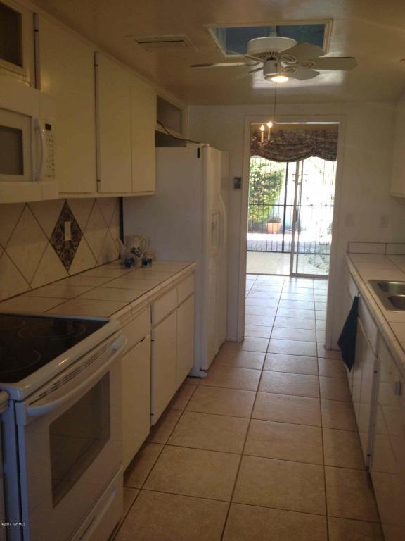 150 W Greer Ln, Tucson AZ 85704