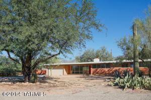 8821 E Hawk Pl, Tucson, AZ