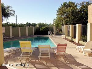 8271 N Oracle Rd #APT 148, Tucson AZ 85704
