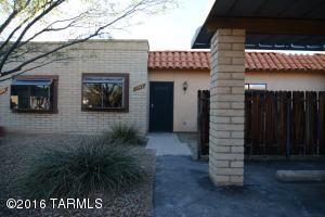 1242 S Calle Adamo, Tucson AZ 85710