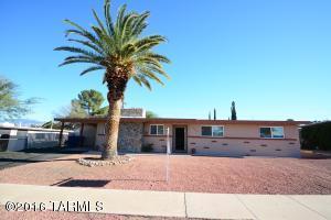 8524 E Kenyon Dr, Tucson AZ 85710