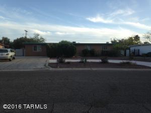 7002 E Calle Ileo, Tucson, AZ