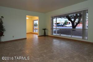 6565 E Scarlett St, Tucson AZ 85710