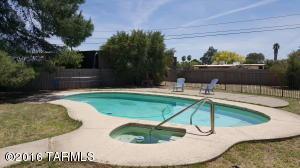 740 S Tudor Pl, Tucson AZ 85710