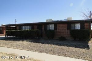 8226 E Beverly St, Tucson AZ 85710