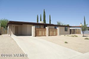 8325 E 25th St, Tucson AZ 85710