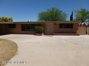 1008 S Seco Pl, Tucson AZ 85710