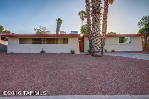 2216 S Oak Park Dr, Tucson AZ 85710