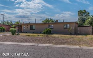 7042 E Calle Ileo, Tucson, AZ 85710