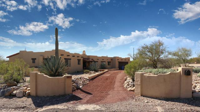 6857 N Green Mountain PlTucson, AZ 85718