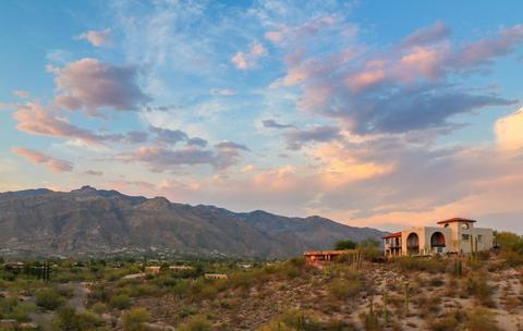 5870 N Hombre LnTucson, AZ 85718