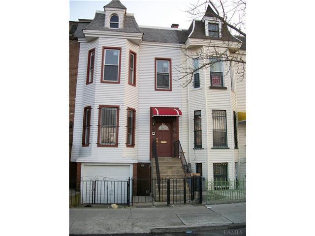 834 E 165th St, Bronx NY 10459