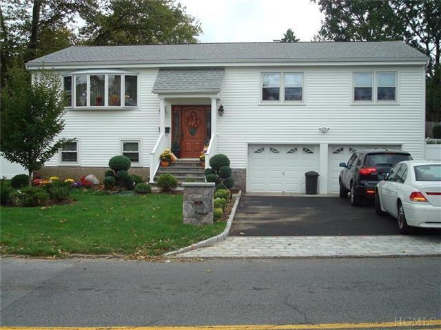 112 Leewood Dr, Eastchester, NY 10709