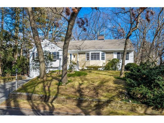 21 Woods Way, Larchmont NY 10538