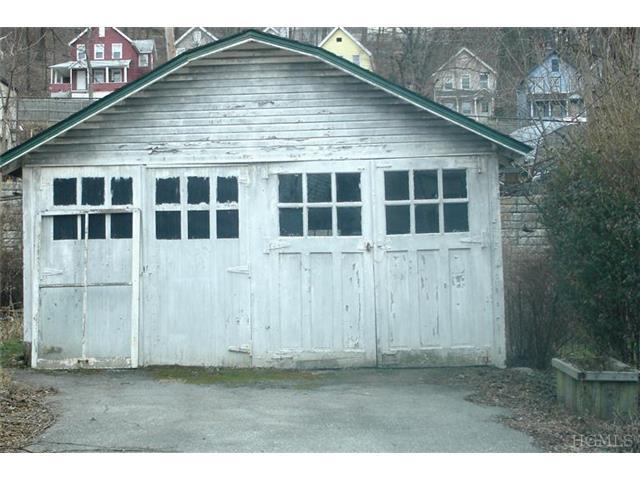 1309 Park St, Peekskill NY 10566