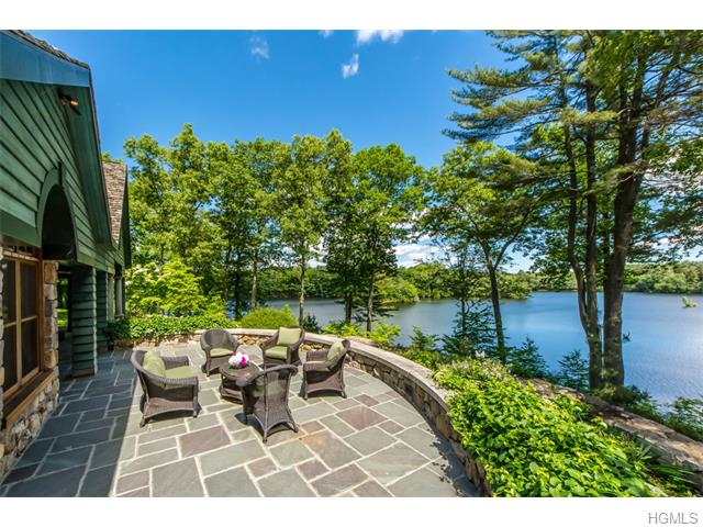 44 Mead Road, North Castle, NY 10504