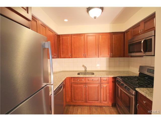 3703 Pratt Avenue #2-B, Bronx, NY 10466