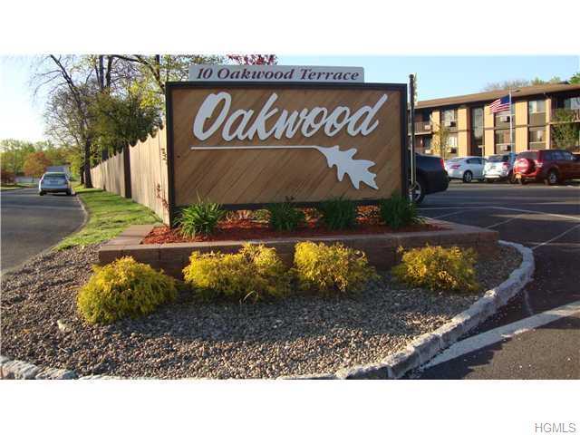 10 Oakwood Ter #45, New Windsor, NY 12553
