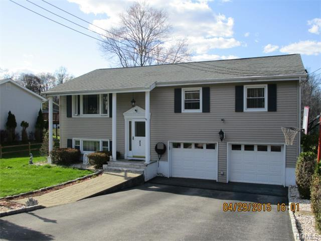 82 Moseman Rd, Yorktown Heights, NY 10598