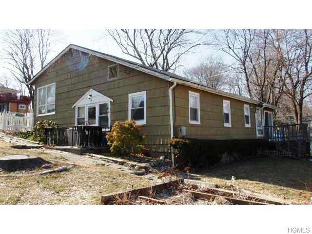 36 Briarcliff Rd, Carmel, NY 10512