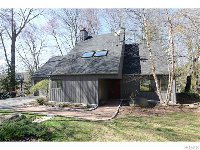 69 Mitchell Rd, Somers, NY 10589