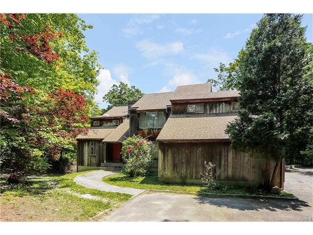 86 Bedford Center Rd, Bedford Hills, NY 10507