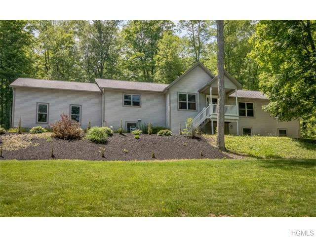 30 Castle High Rd, Middletown, NY