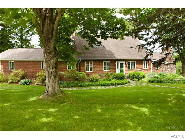 414 Gardner Hollow Rd, Poughquag, NY