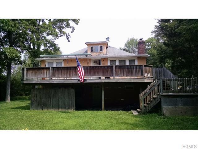 37 Deerfield Rd, Brewster, NY 10509