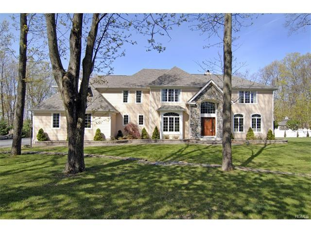 47 Indian Wells Rd, Brewster, NY 10509