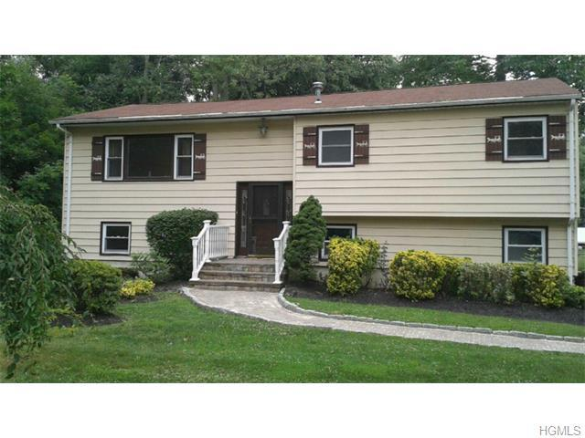 193 Ehrhardt Rd, Pearl River, NY 10965