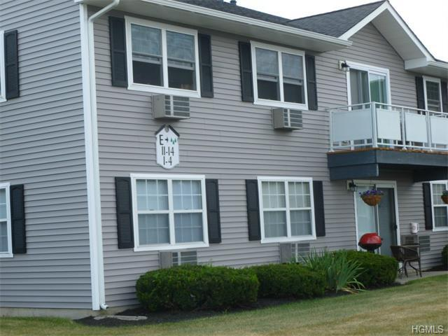 100 Hillside Dr #E12, Middletown, NY 10941