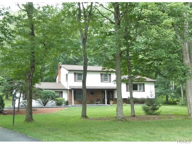 14 Pinebrook Loop, Hopewell Junction, NY