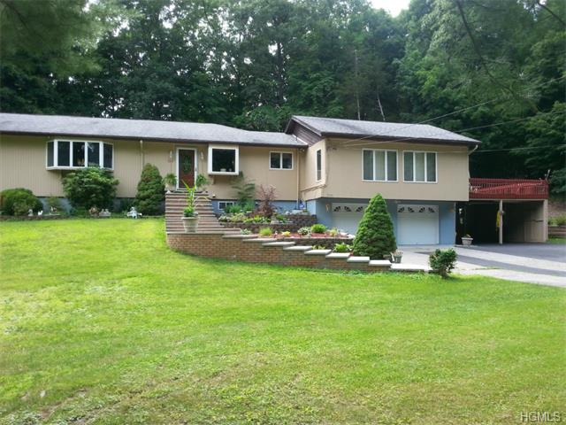 253 Augusta Dr, Hopewell Junction, NY