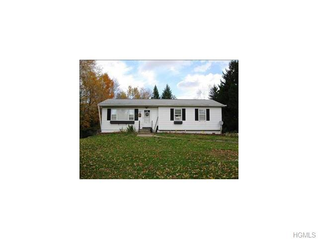 49 Beekman Rd, Hopewell Junction, NY