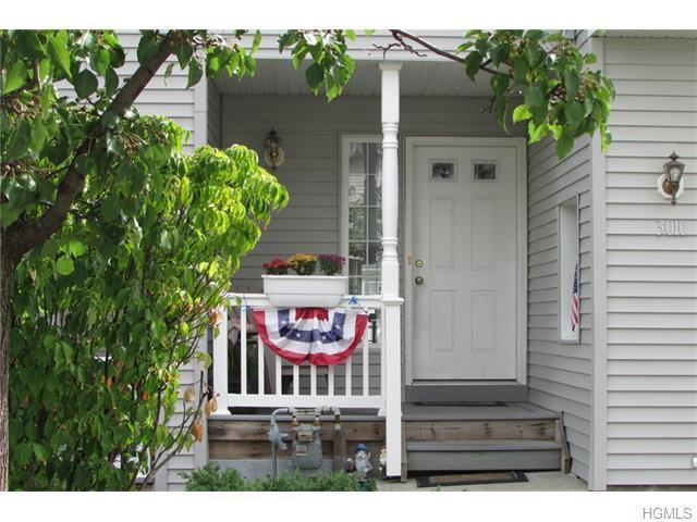 3010 Patrick Henry Ct, New Windsor, NY 12553