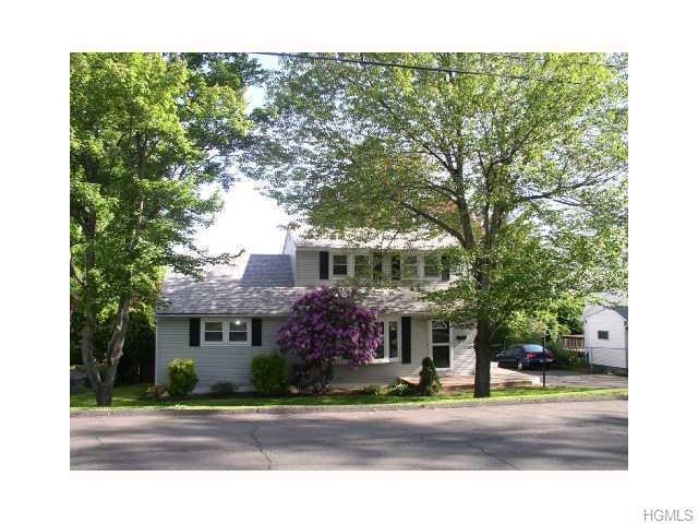 3 Oak St, Garnerville, NY 10923