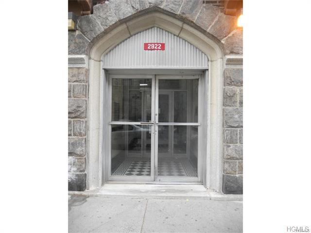 2922 Barnes Avenue #6L, Bronx, NY 10467