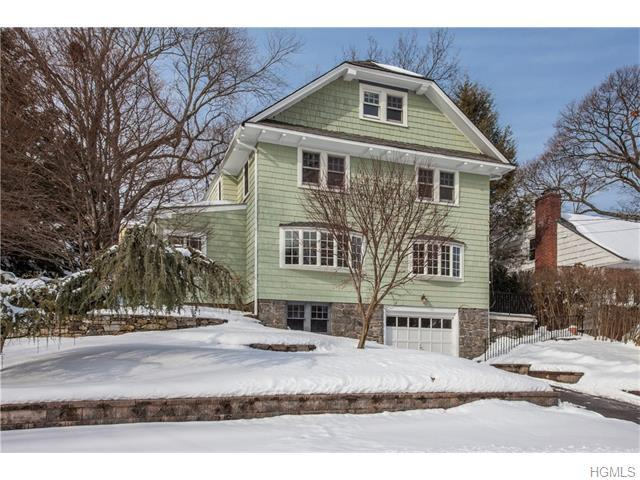 93 Colonial Ave, Larchmont NY 10538