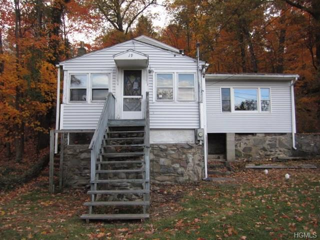 19 Rocky Trl, Greenwood Lake, NY