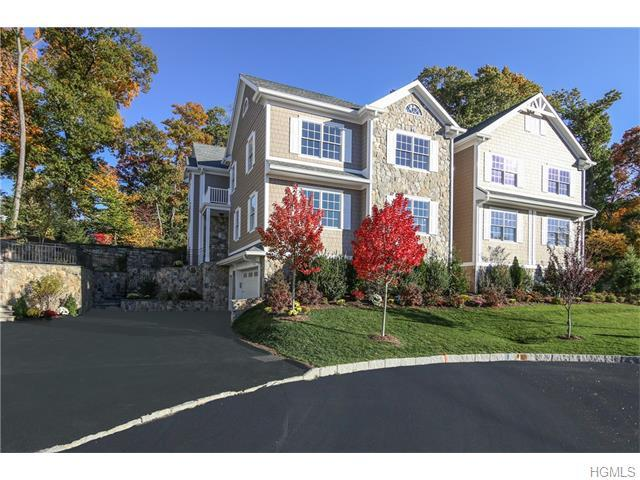 8 Manor Ln, Scarsdale, NY 10583