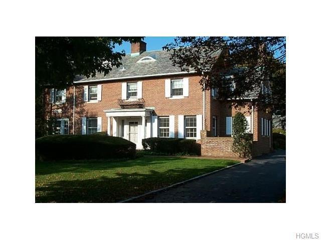23 Garden Pl, Hempstead, NY 11550