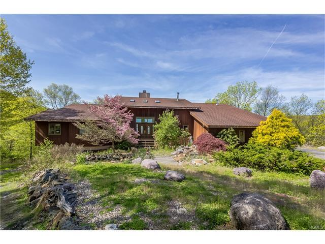 120 Edgemere Ave, Greenwood Lake, NY 10925