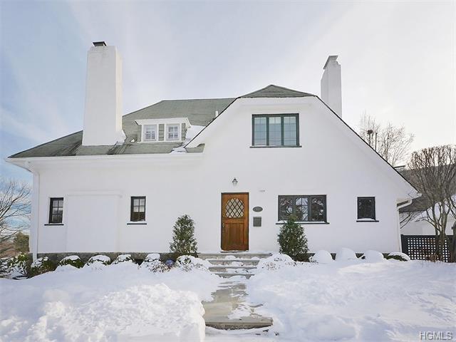 108 W Hickory Grove Dr, Larchmont NY 10538