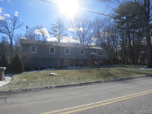 63 Smith Hill Rd, Airmont, NY 10952