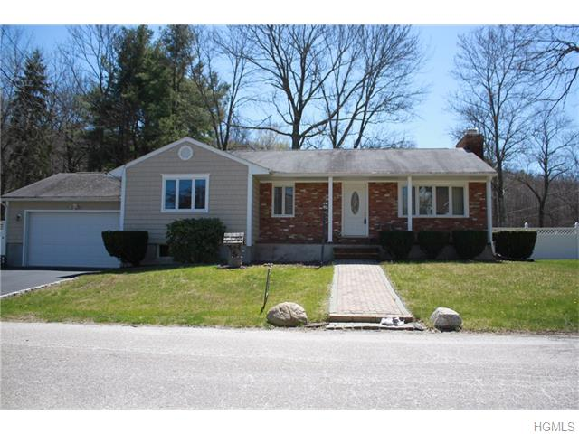 2 Compass Ave, West Milford, NJ