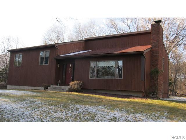 107 Wilmont Ct, Hopewell Junction, NY