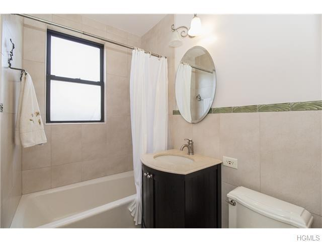 67 Rockledge Rd #2B, Hartsdale, NY 10530