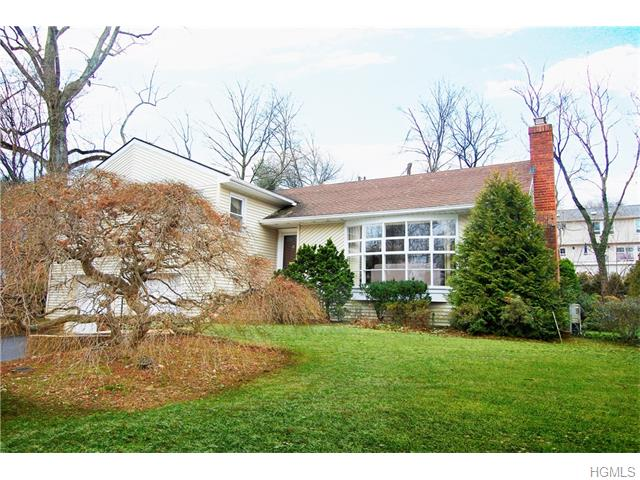 38 Runyon Pl, Scarsdale, NY 10583
